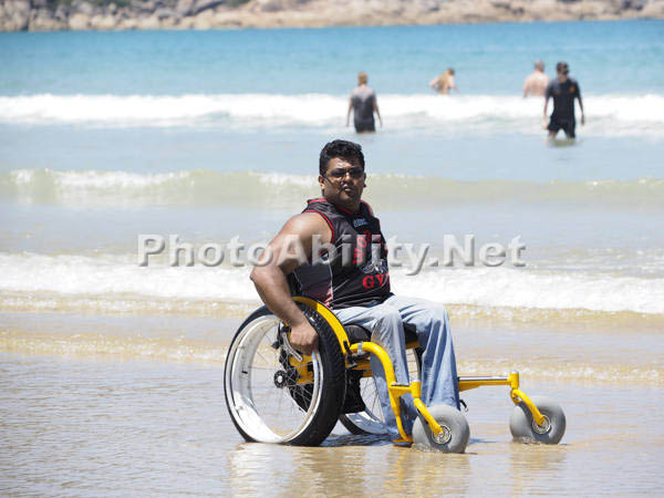 Self propelled beach wheelchair