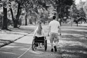 Young-woman-in-wheelchair-on-date-with-her-boyfriend