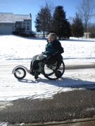 Woman-in-the-snow-in-wheelchair-with-smartdrive