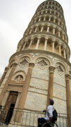 Man-using-wheelchair-on-holiday-in-Italy-at-the-leaning-tower-of-Pisa