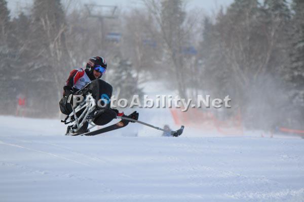 Alpine ski racing